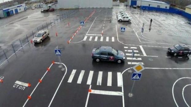 Существуют ли бесплатные площадка для обучения вождению на своем автомобиле